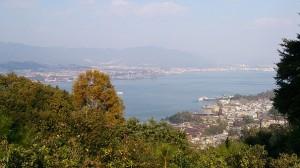 大聖院コース途中標高180m付近の展望四阿(あずまや)から、厳島神